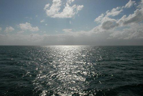И Карибское море бывает серебристым...