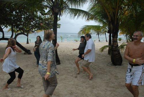 Зимние танцы у тёплого Карибского моря.