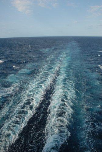 Двухвостый корабль