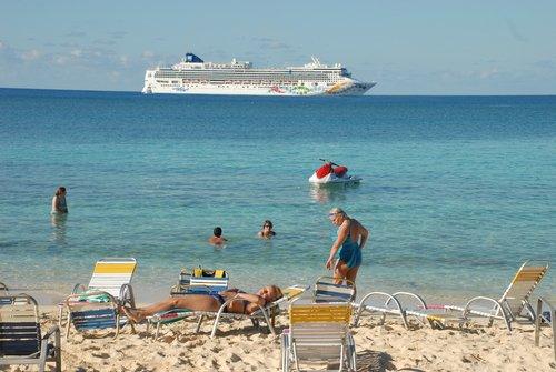 Багамский остров. На диком пляже.