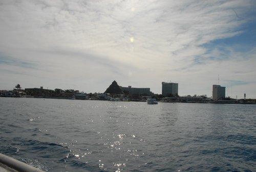 По курсу - мексиканский остров Козумель