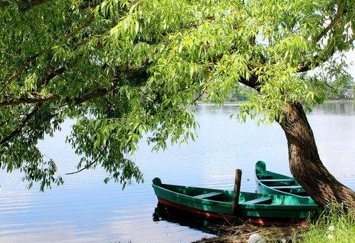 с лодками