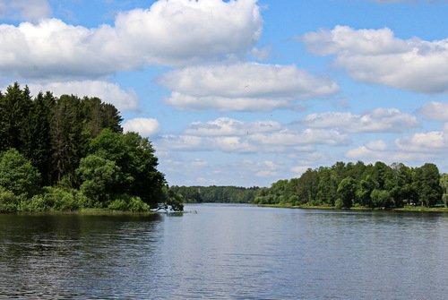 на озере Верхнем