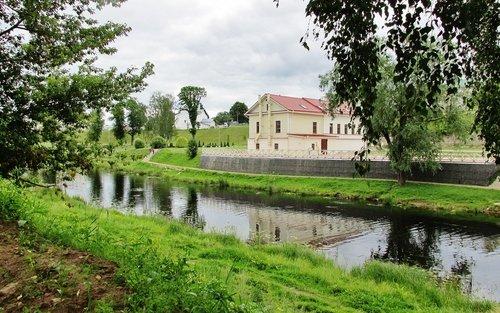 На реке Пскове