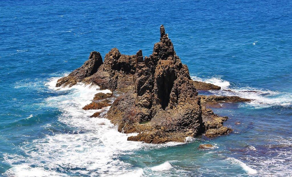 Скальный островок