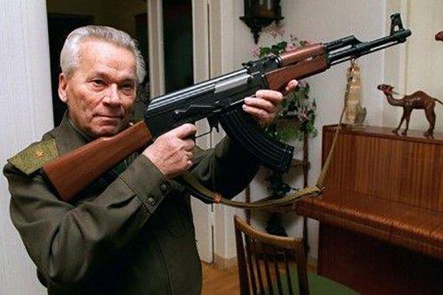 К 100-летию со дня рождения российского оружейника Михаила Калашникова.