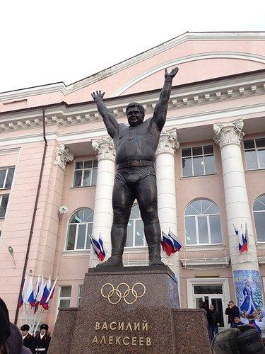 Великий штангист Василий Иванович Алексеев.