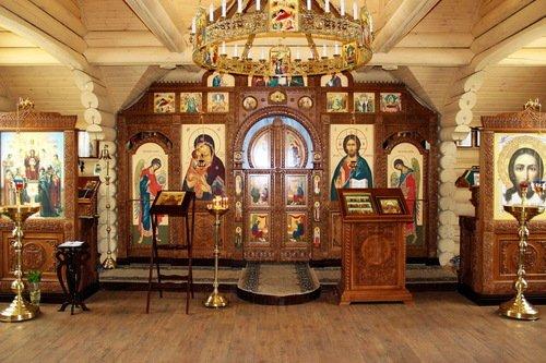 Церковь Иконы Божией Матери Донская в Люблино. Интерьер.