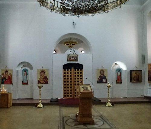 Интерьер церкви Пантелеимона Целителя в Южном Бутово