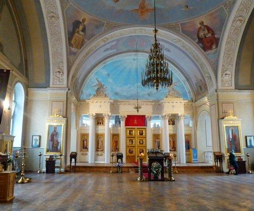 Интерьер церкви Татианы мученицы при МГУ