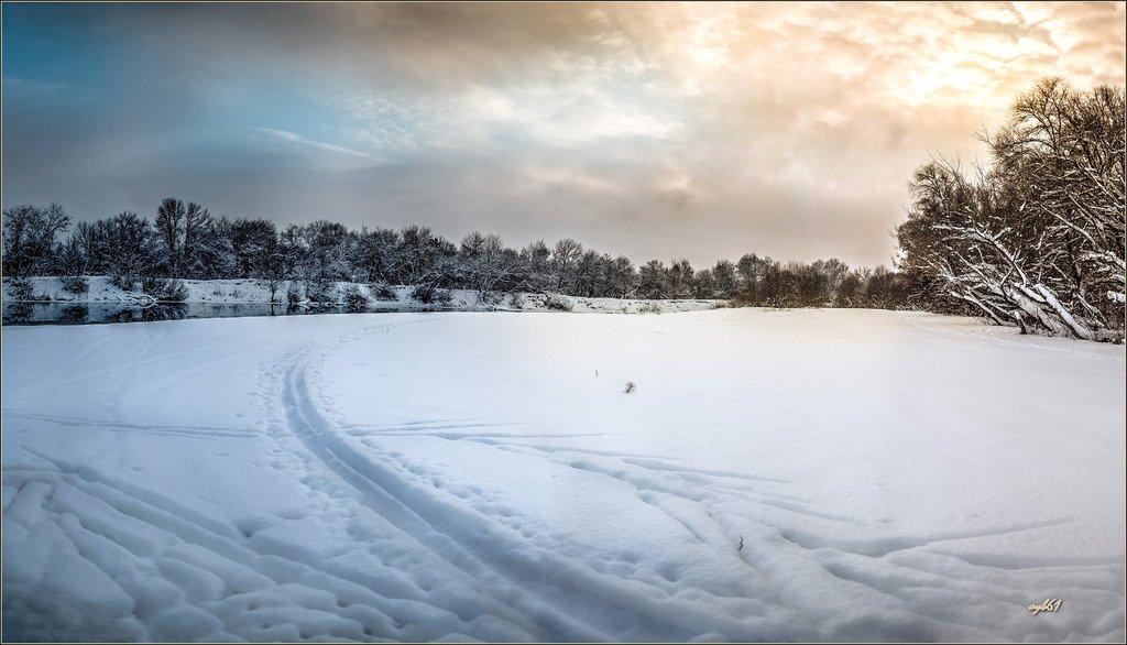 Белое покрывало января