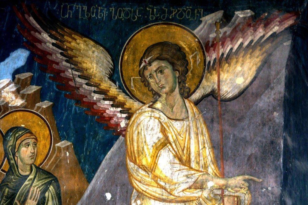 Ангел Господень возвещает женам-мироносицам о Воскресении Христовом. Фреска храма Святого Саввы в монастыре Сапара, Грузия. Конец XIII - начало XIV веков. Фрагмент.