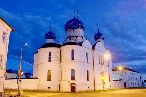 Собор Богоявления Господня в Богоявленском Угличском монастыре