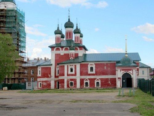 Церковь Иконы Божией Матери Смоленская в Богоявленском Угличском монастыре