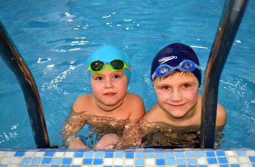 Юные пловцы