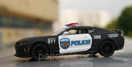 Kinsmart Camaro ZL1 Police