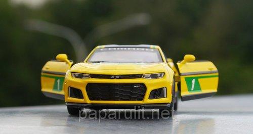 Kinsmart Camaro ZL1