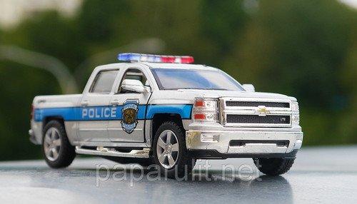 Kinsmart Chevrolet Silverado Police