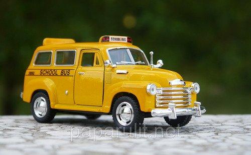 Машинка игрушечная субурбан