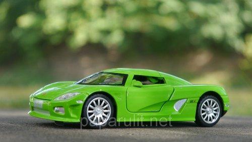 Koenigsegg машинка игрушечная