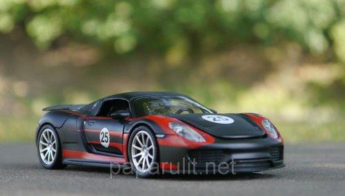 Машинка металлическая Porsche Martini №25 со звуком и светом