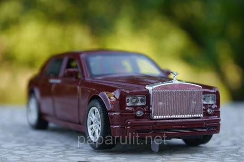 Машинка Rolls-Royce