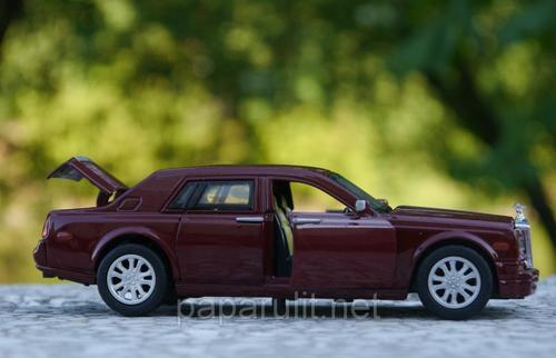 Машинка металлическая Rolls-Royce Phantom