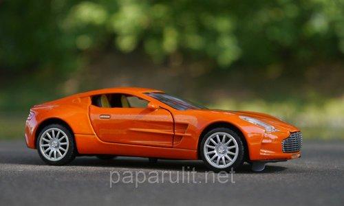 Машинка металлическая WB Aston Martin