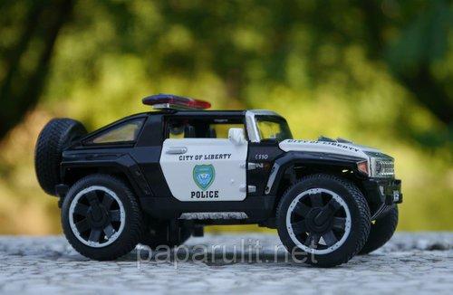 Машинка WB 1:32 Hummer полиция