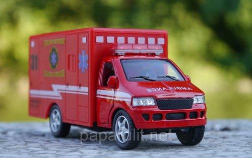 Машинка Kinsfun Ambulance скорая помощь