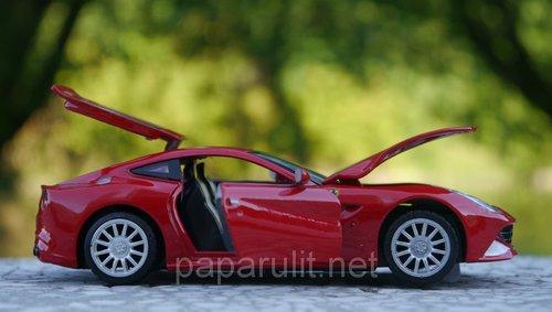 Машинка Феррари открываются двери капот багажник