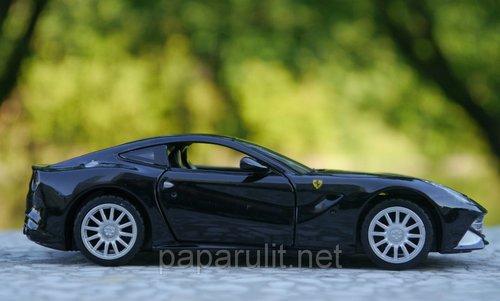 Машинка металлическая WB Ferrari со звуком и светом