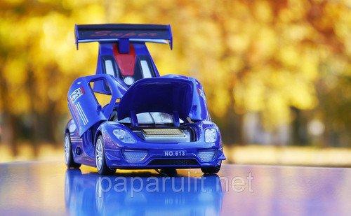 Машинка Porsche 918