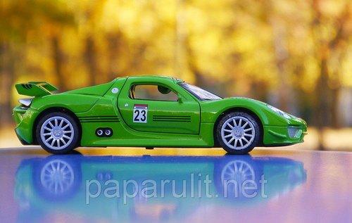 Машинка Porsche 918 Spyder
