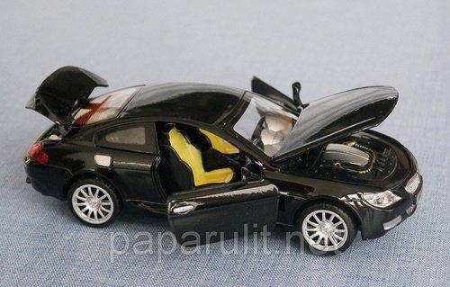 Машинка BMWоткрываются двери багажник капот