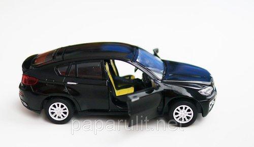 машинка с открывающимся багажником