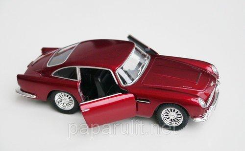 Kinsmart Aston Martin