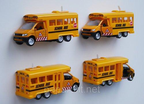 Школьный автобус игрушка