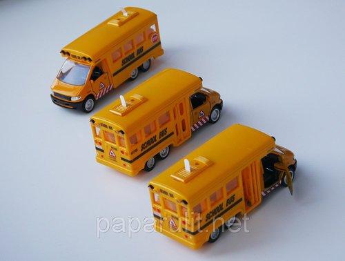 Школьный автобус игрушечный