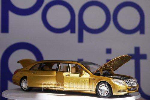 Машинка лимузин золотой
