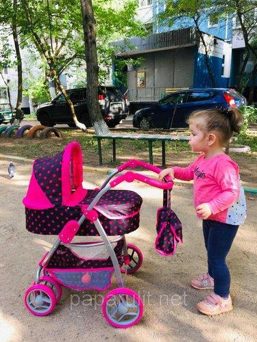 Большая кукольная коляска и София, 1 год и 11 месяцев, рост 89 см.