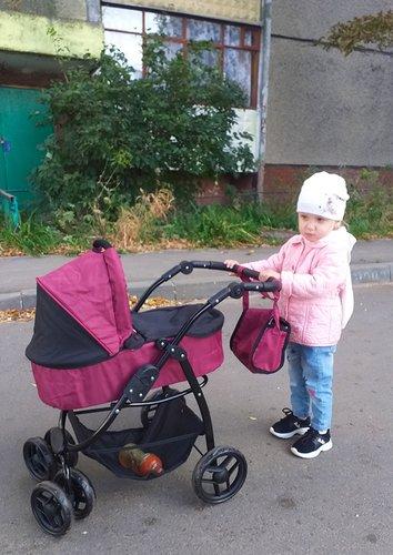 Кукольная коляска 9000 и девочка 2 года и 3 месяца