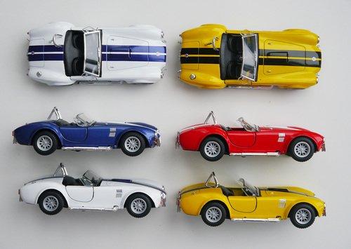 Kinsmart 1965 Shelby Cobra 427