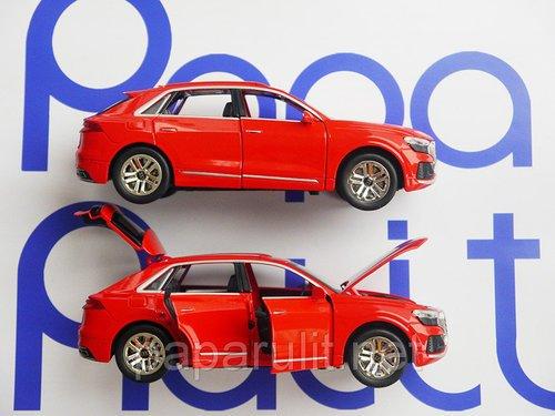 Audi Q8 машинка игрушечная