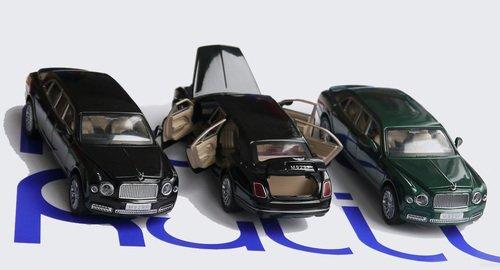 Бентли лимузин открываются двери, багажник, капот