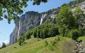 В долине 72 водопадов