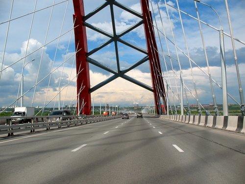 По мосту через Обь. Новосибирск.