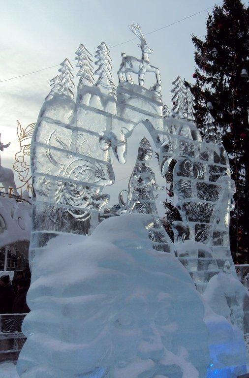 """Ледяная скульптура """"Серебряное копытце"""""""