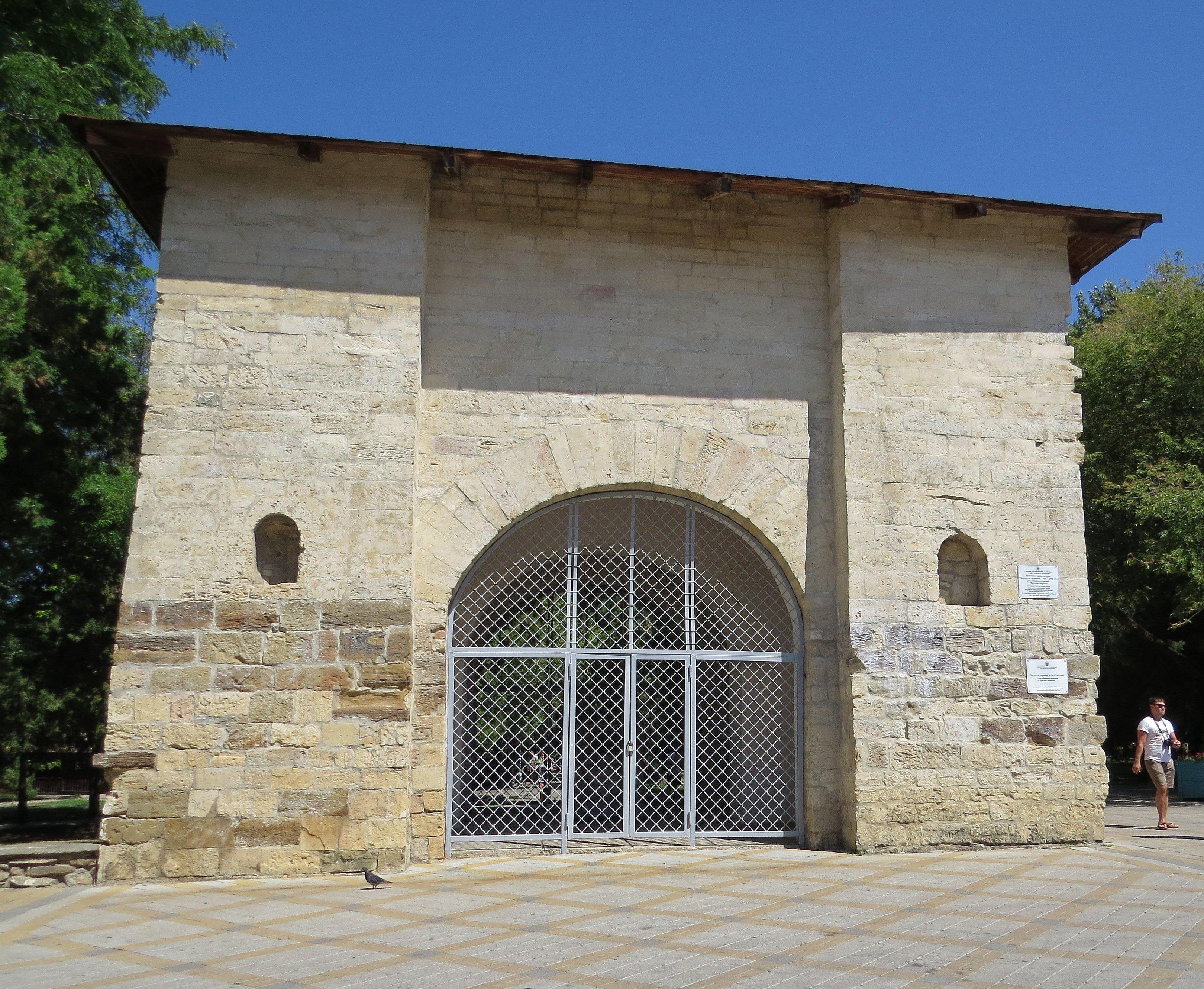 множество фотография крепостные ворота в анапе этот
