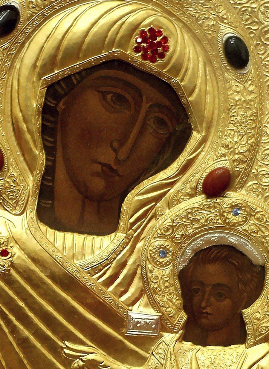 """Икона Божией Матери """"Царица, приносящая радость"""". Лики."""